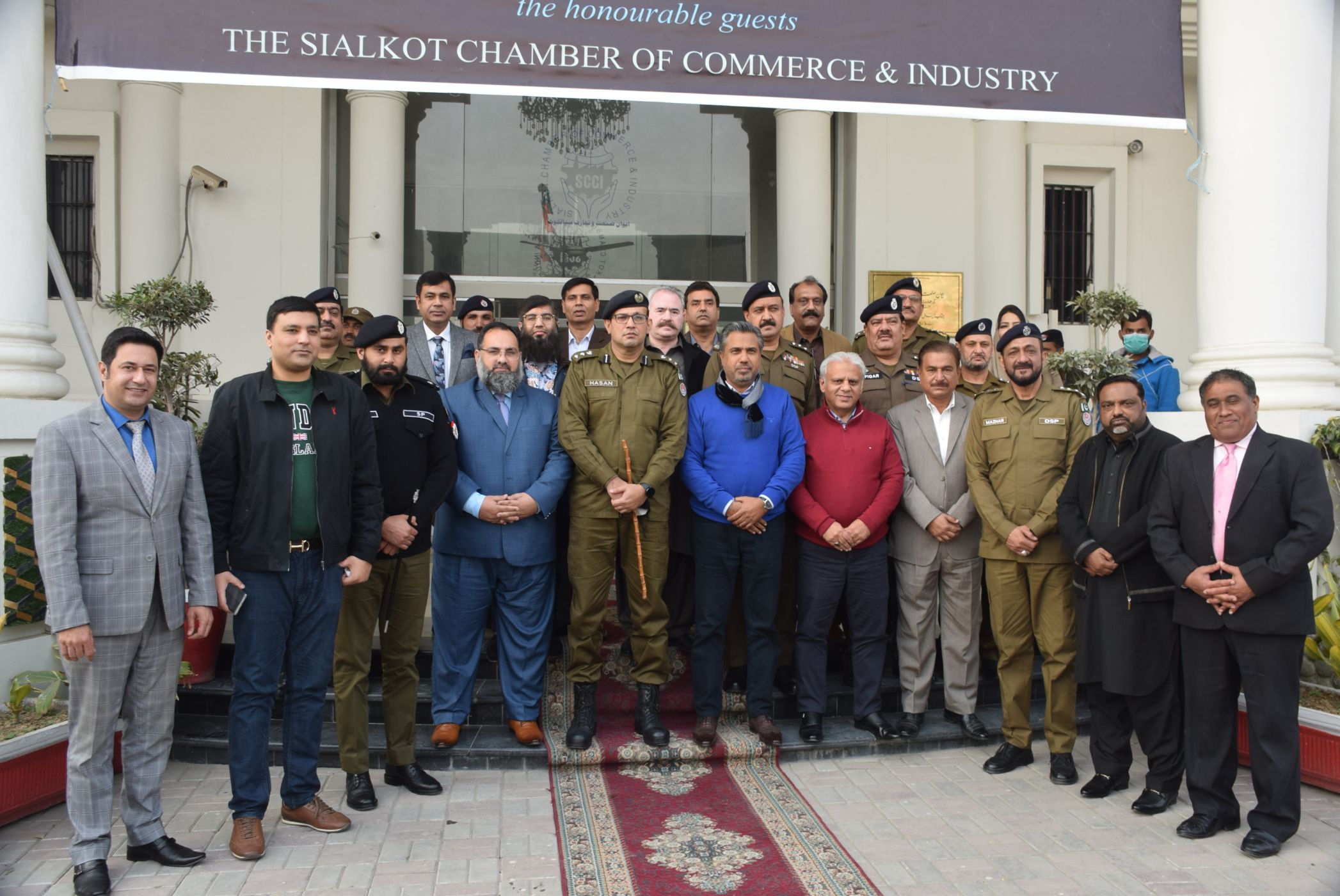 Mr. Asad Hassan Alvi, DPO Sialkot visited SCCI on January 25, 2021 for a meeting with Office Bearers and the Departmental Committee on Crime Watch. It was resolved that SCCI and District Police Sialkot would jointly work for maintaining law and order in the district.