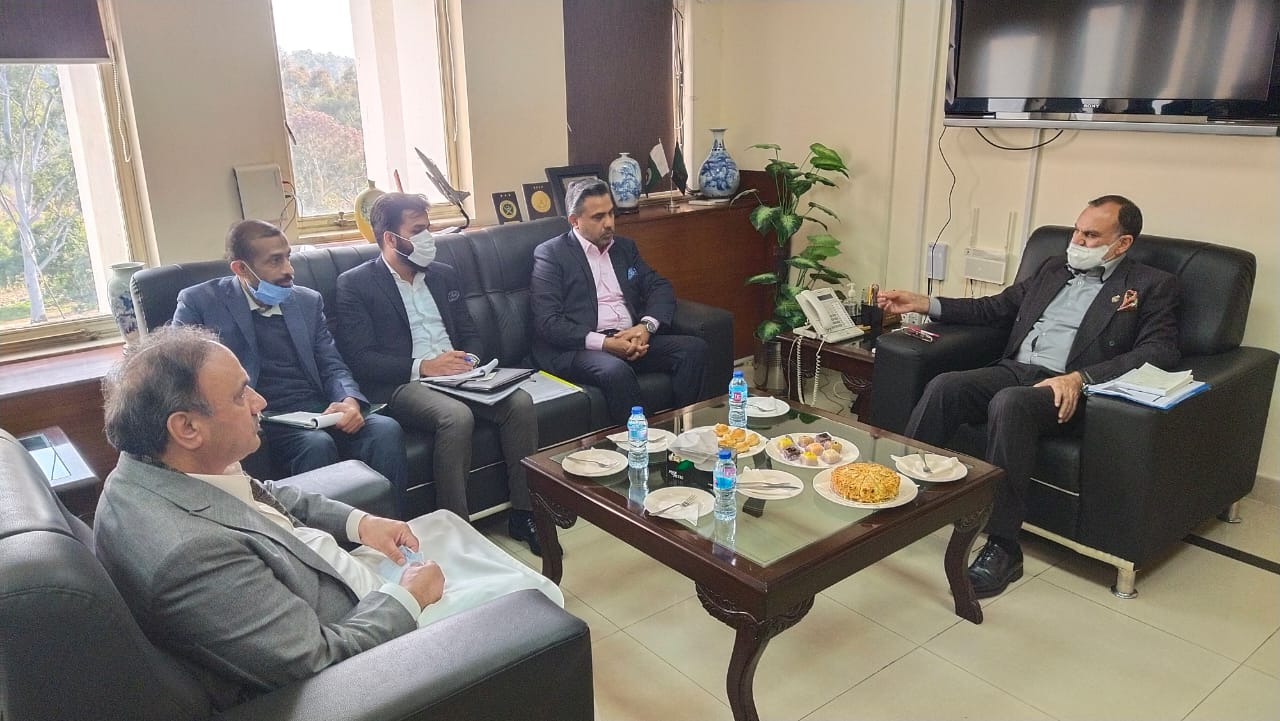 Mr. Qaiser Iqbal Baryar, President SCCI, met Mr. Muhammad Azam Khan Swati, Federal Minister for Railways to discuss possibilities of the project of initiating the Cargo Train from Sialkot and other issues of the Industry on 18th Jan 2021. It was resolved that a terminal for loading and unloading of containers would be established in collaboration with SCCI and Ministry of Railways.