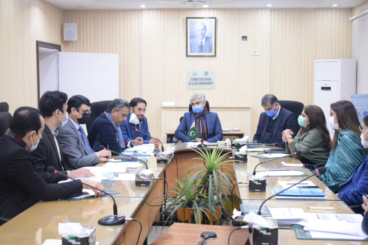 Mr. Qaiser Iqbal Baryar, President SCCI, met Mian Aslam Iqbal, Provincial Minister for Industries, Commerce and Investment, Punjab on 21st January, 2021. Discussion revolved around improvements in Export Processing Zone, Sialkot and prospective establishment of the Sialkot Industrial Zone. It was further resolved that a Committee would be formed to deliberate upon the proposals of SCCI for improvement in EPZ. Provincial Minister assured his all-out support in line with the agenda of industrial growth and exports promotion.
