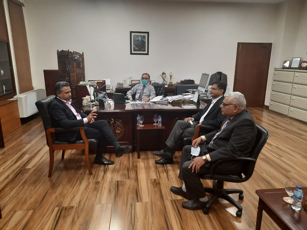 Mr Qaisar Iqbal Baryar, called on Mr. Muhammad Ashraf Khan, MD Banking Services Corporation, State Bank of Pakistan and his team for discussion on issue of mutual interest.