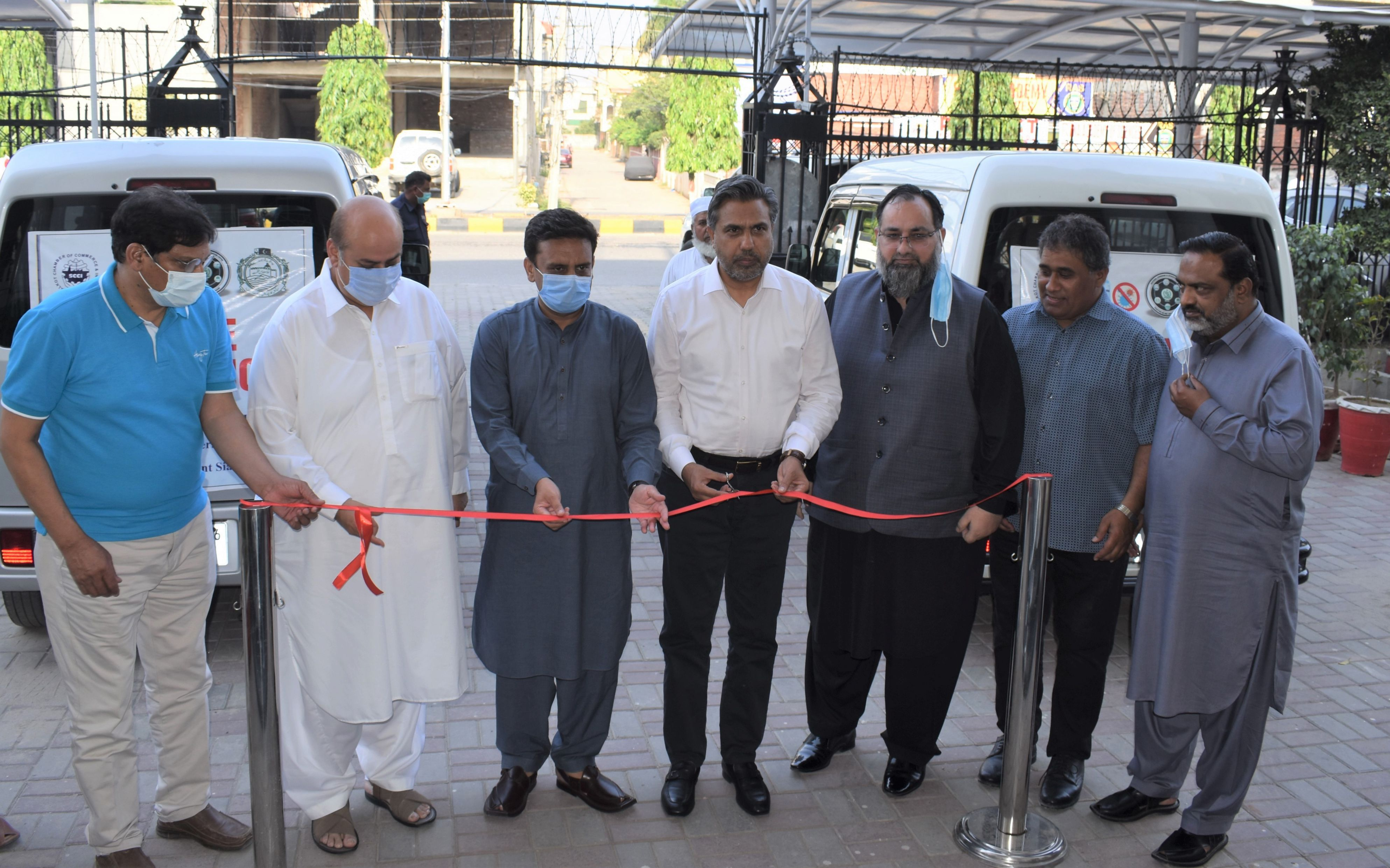 """On June 05, 2021, Mr. Qaisar Iqbal Baryar, President, SCCI and Mr. Khuram Aslam, Senior Vice President, SCCI inaugurated """"Mobile vaccination"""", A Joint project of SCCI and National Command Operation Center (NCOC) at Sialkot Chamber of Commerce & Industry. Deputy Commissioner Sialkot Mr. Tahir Farooq also graced the ceremony. This joint project of SCCI and NCOC will accelerate the campaign of vaccination and support the ongoing national efforts to overcome the spread of the COVID-19 in Sialkot city."""