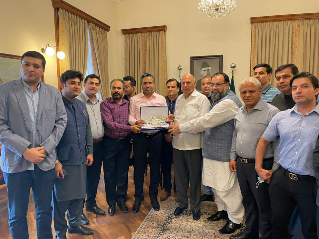 On June 08, 2021, A delegation of the Office Bearers and the Members of Executive Committee of Sialkot Chamber of Commerce and Industry had a meeting with Honorable Governor Punjab Ch. Muhammad Sarwar.  The Delegation was led by Mr. Qaisar Iqbal Baryar, President Sialkot Chamber.