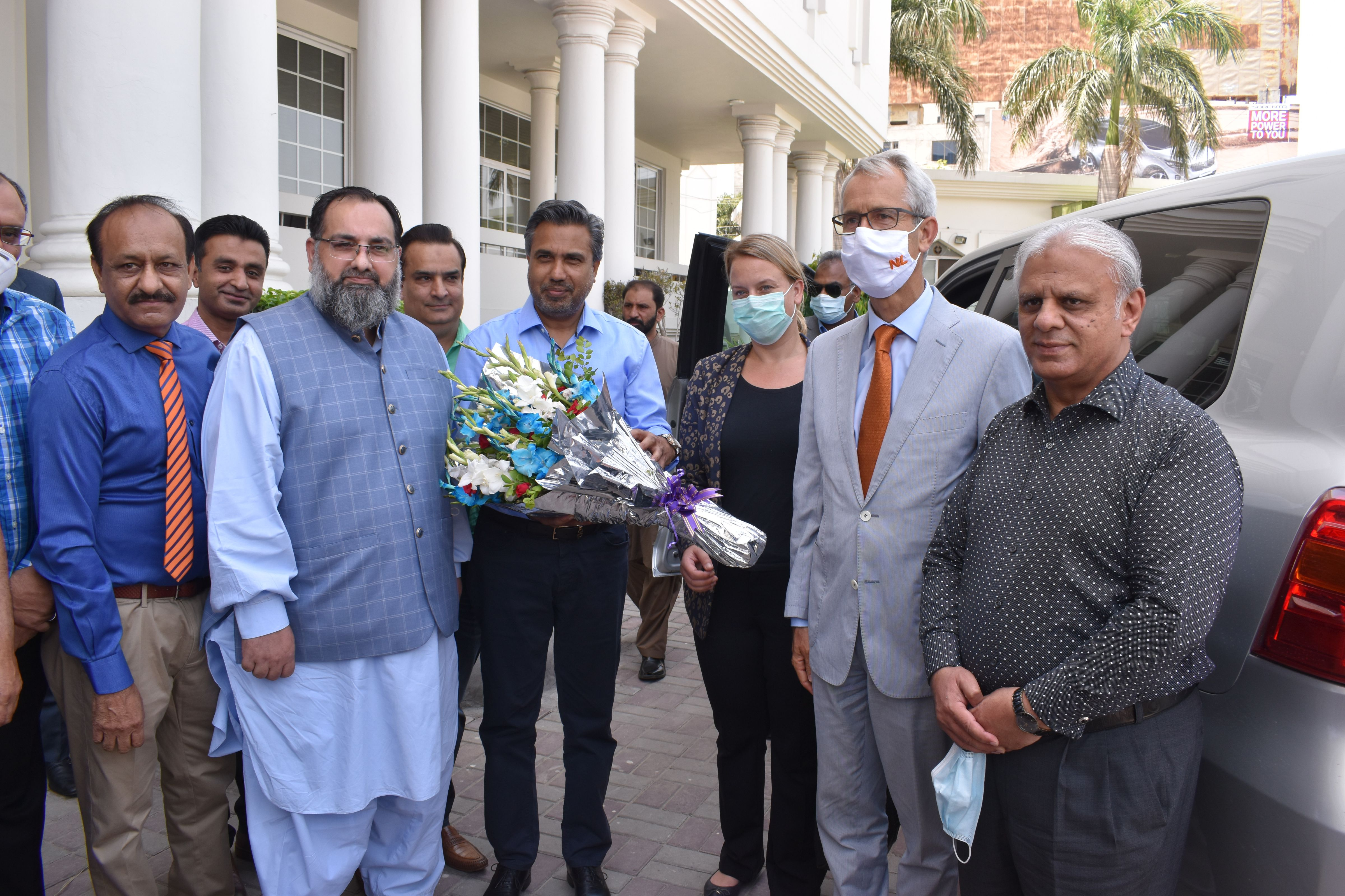 On June 17, 2021, His Excellency's Mr. Wouter Plomp, Ambassador of the Kingdom of Netherlands visited Sialkot Chamber of Commerce and Industry accompanied by Ms. Winnie van der Wal, First Secretary and Ms. Sundus Munawar, Policy Officer Economic Affairs.  Mr. Qaisar Iqbal Baryar, President, SCCI warmly welcomed the honorable guests and shared his immense pleasure on His Excellency visit to Sialkot Chamber which would result in promoting better understanding and cooperation between the Netherlands Embassy in Pakistan and the Sialkot Chamber of Commerce & Industry by enhancing cooperation in bilateral trade and investment.