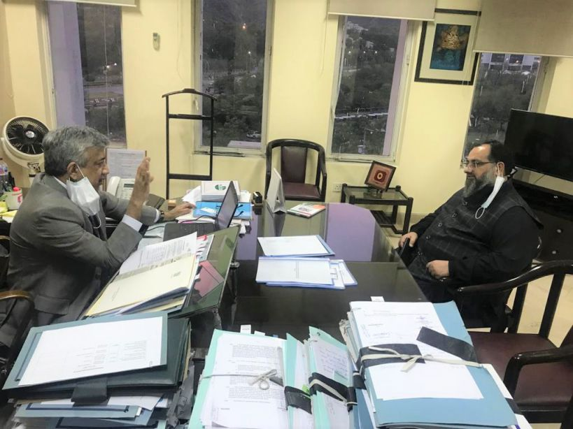 On June 16, 2021, Mr. Khuram Aslam, Senior Vice President, SCCI had one to one meeting with Muhammad Sualeh Ahmad Faruqui, Secretary Commerce in his office at Ministry of Commerce, Islamabad.