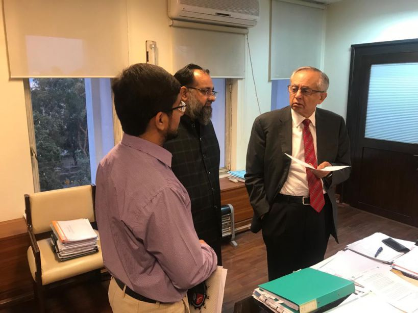 On June 16, 2021, Mr. Khuram Aslam, Senior Vice President, SCCI had one to one meeting with Mr. Abdul Razzak Dawood, Advisor to Prime Minister on Commerce & Investment in his office at Ministry of Commerce, Islamabad to discuss issues related to industry of Sialkot.