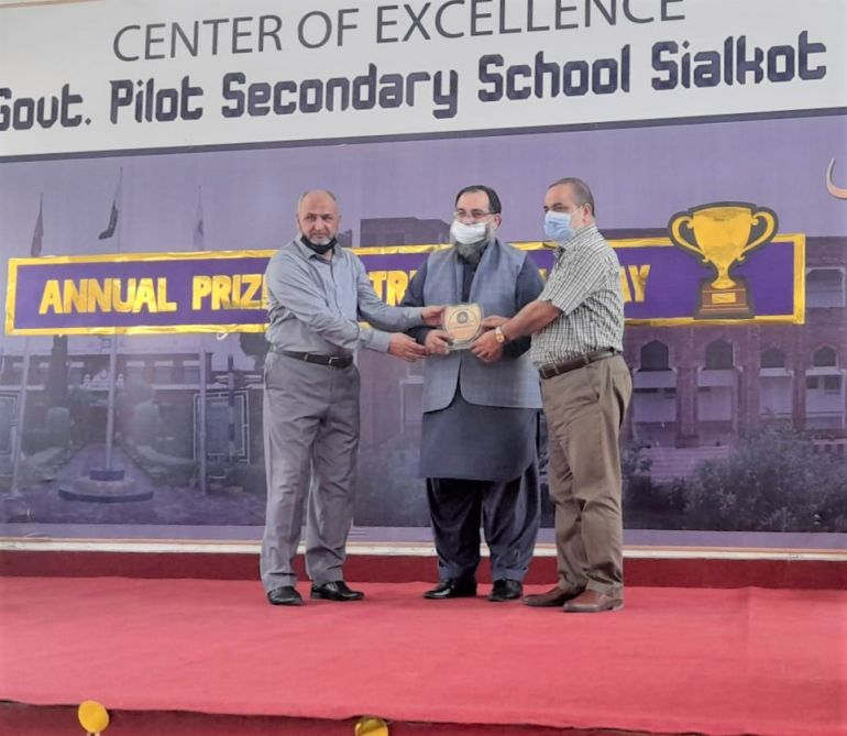 """On July 08, 2021, Mr. Khuram Aslam, Senior Vice President of Sialkot Chamber of Commerce and Industry was invited as Guest of Honor in """"Annual Prize Distribution Ceremony 2021""""at Centre of Excellence (Boys) Govt. Pilot Secondary School, Sialkot.   Mr. Khuram Aslam addressed the students and congratulated them on passing to the next levels. He stressed that future of Pakistan lies in the hands of hardworking and intellectual youth. It is a weighty responsibility that rests on their shoulders. But we have no doubt that they are equal to the task."""