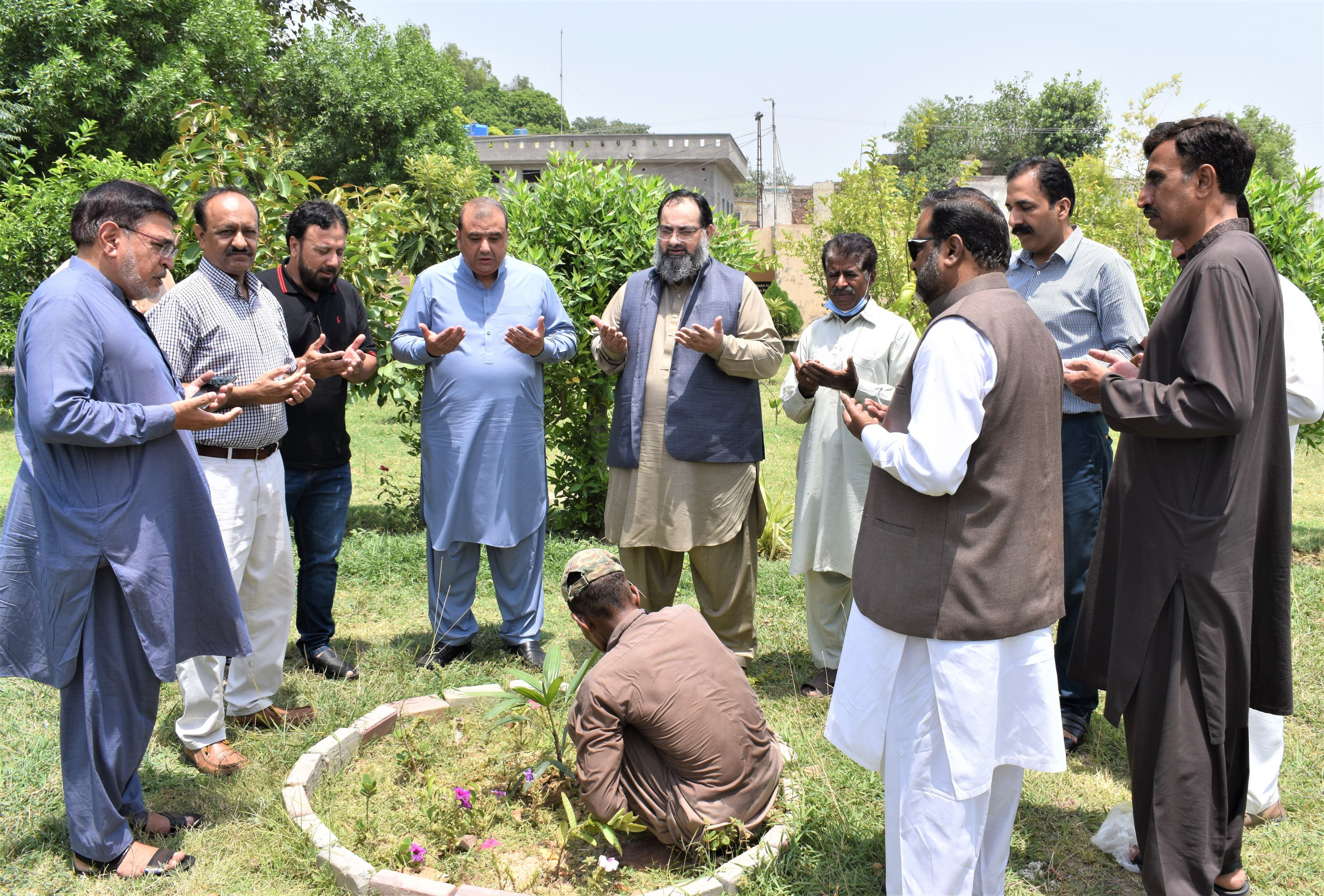 On July 06, 2021, Mr. Khuram Aslam, Senior Vice President, Sialkot Chamber of Commerce and Industry planted a tree sapling at the Government Graduate College Sialkot (Qila) under Plantation drive (Clean Green Pakistan) showing his commitment to a green future and doing a part in reversing climate change. Mr. Bilal Dar and Sheikh Zahid Hameed, Executive Committee Members SCCI and Mr. Ejaz Ghauree also planted a tree sapling.