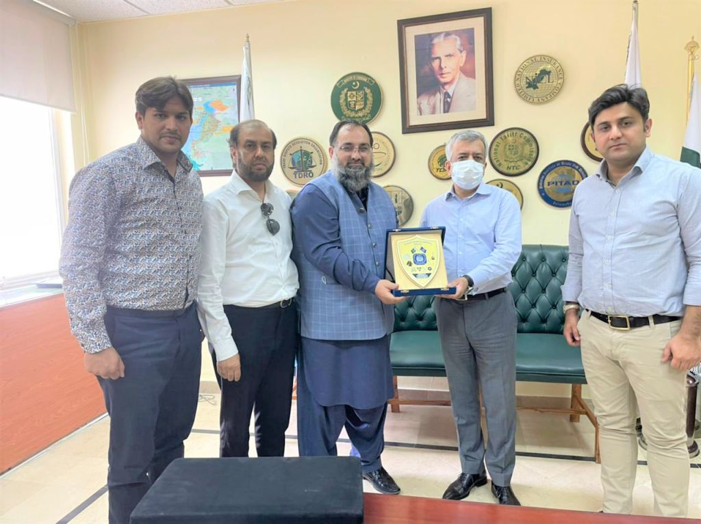 On July 07, 2021, Mr. Khuram Aslam, Senior Vice President, Sialkot Chamber of Commerce and Industry led a delegation of SCCI to have meeting with Muhammad Sualeh Ahmed Faruqui, Secretary Commerce, Ministry of Commerce Islamabad.    The delegation comprised of Mr. Qasim Malik, Sheikh Sohail Zafar, Mr. Muhammad Idris Members of Executive Committee SCCI.   During the   meeting, matters of EDF, 5% sales tax, DLTL timebard issue, price fixation for surgical items, document attestation from MOFA were discussed in detail.