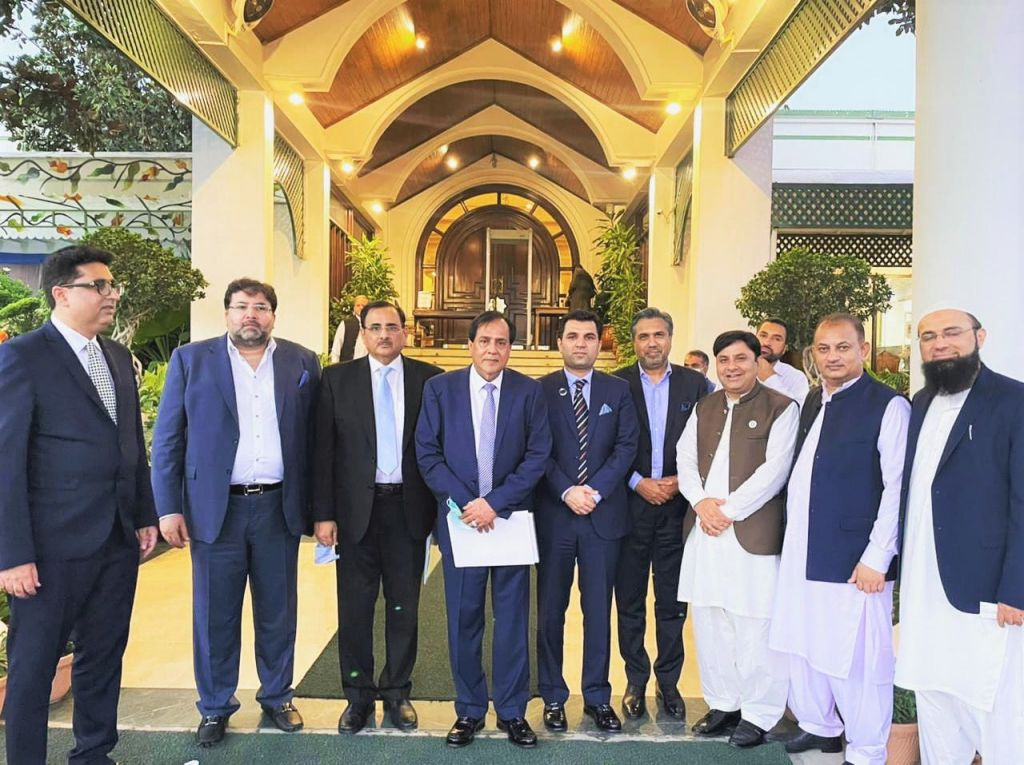 On July 29, 2021, Mr. Qaisar Iqbal Baryar, President, Sialkot Chamber of Commerce & Industry and Presidents of Major Chambers of country had a meeting with Prime Minister of Pakistan H.E. Imran Khan in PM house, Islamabad.