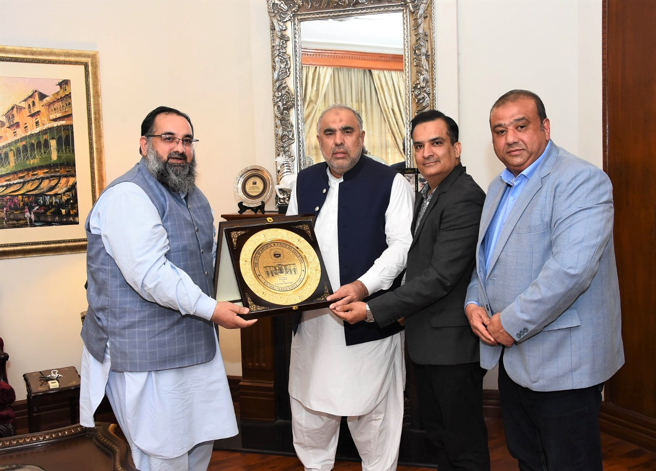 On August 27, 2021, A delegation of Sialkot Chamber of Commerce & Industry led by Mr. Khuram Aslam, Senior Vice President, SCCI met Speaker of the National Assembly of Pakistan Honorable Mr. Asad Qaiser to discuss issues related to the Industry of Sialkot. During the Visit, Mr. Muhammad Bilal and Mr. Sheikh Faisal Naveed, Executive Committee Members of SCCI accompanied Senior Vice President.