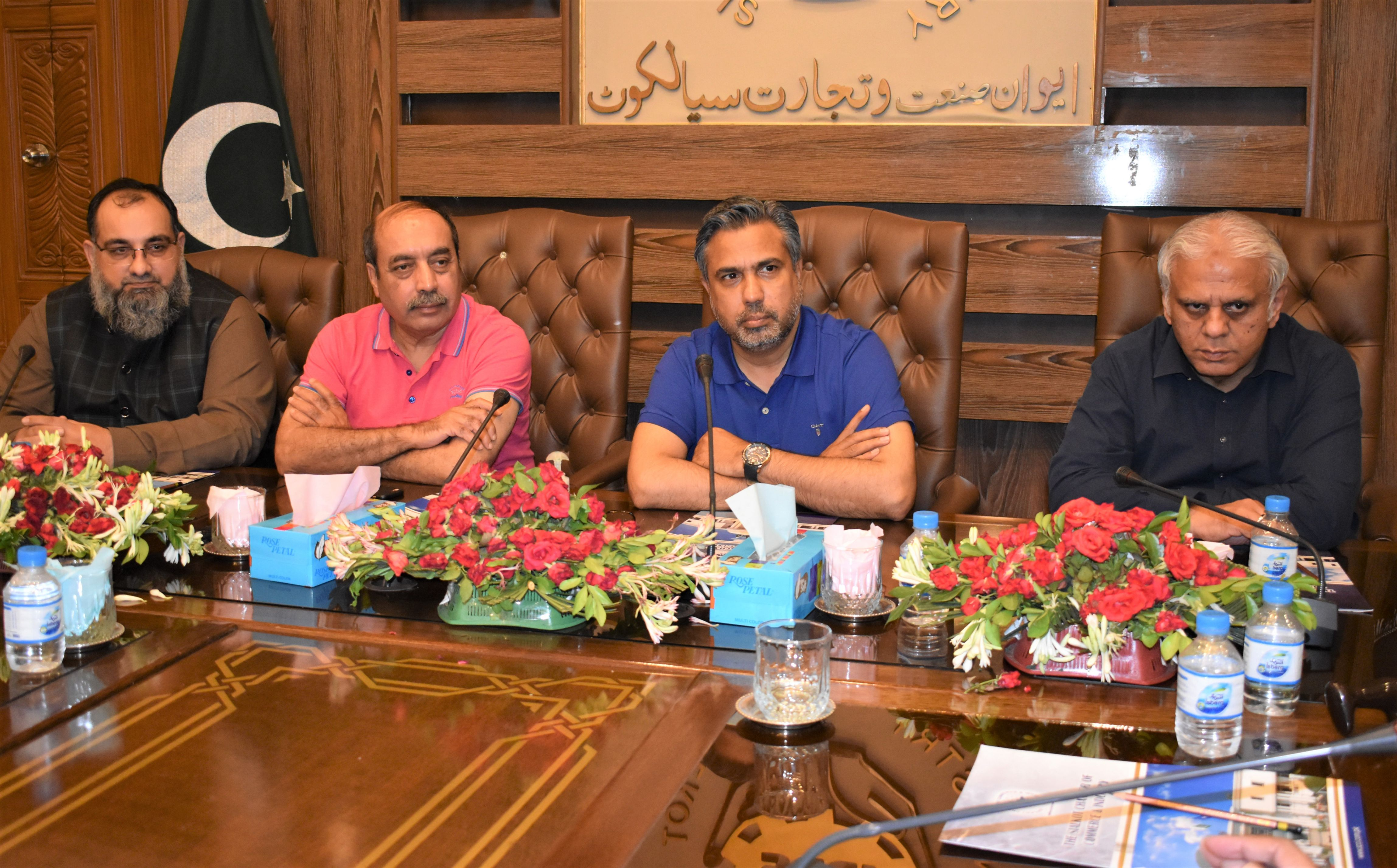 On September 15, 2021, Mr. Qaisar Iqbal Baryar, President, Sialkot Chamber of Commerce & Industry chaired a Joint meeting of Trade Bodies of Sialkot to finalize sector-wise purchase formula regarding 5% Withholding Sales Tax.  Mr. Khuram Aslam, Senior Vice President, Mr. Ansar Aziz Puri, Vice President, SCCI and Mr. Ijaz Khokhar also attended the meeting.