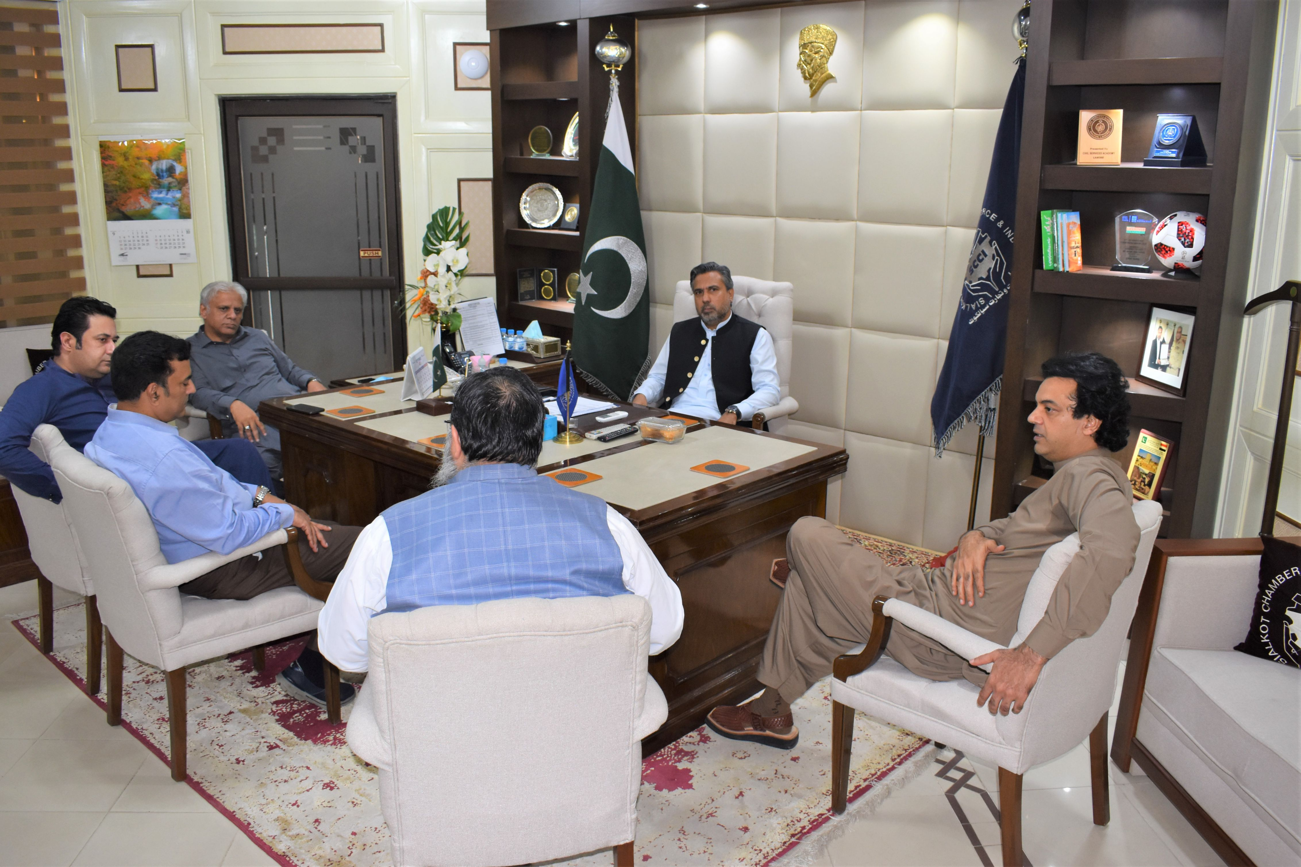 On September 10, 2021, Mr. Usman Dar, Special Assistant to Prime Minister on Youth Affairs visited Sialkot Chamber of Commerce & Industry to discuss matters related to Industry of Sialkot. Mr. Qaisar Iqbal Baryar, President, Mr. Khuram Aslam, Senior Vice President, Mr. Ansar Aziz Puri, Vice President, SCCI and Executive Committee Members of SCCI received the Guest.