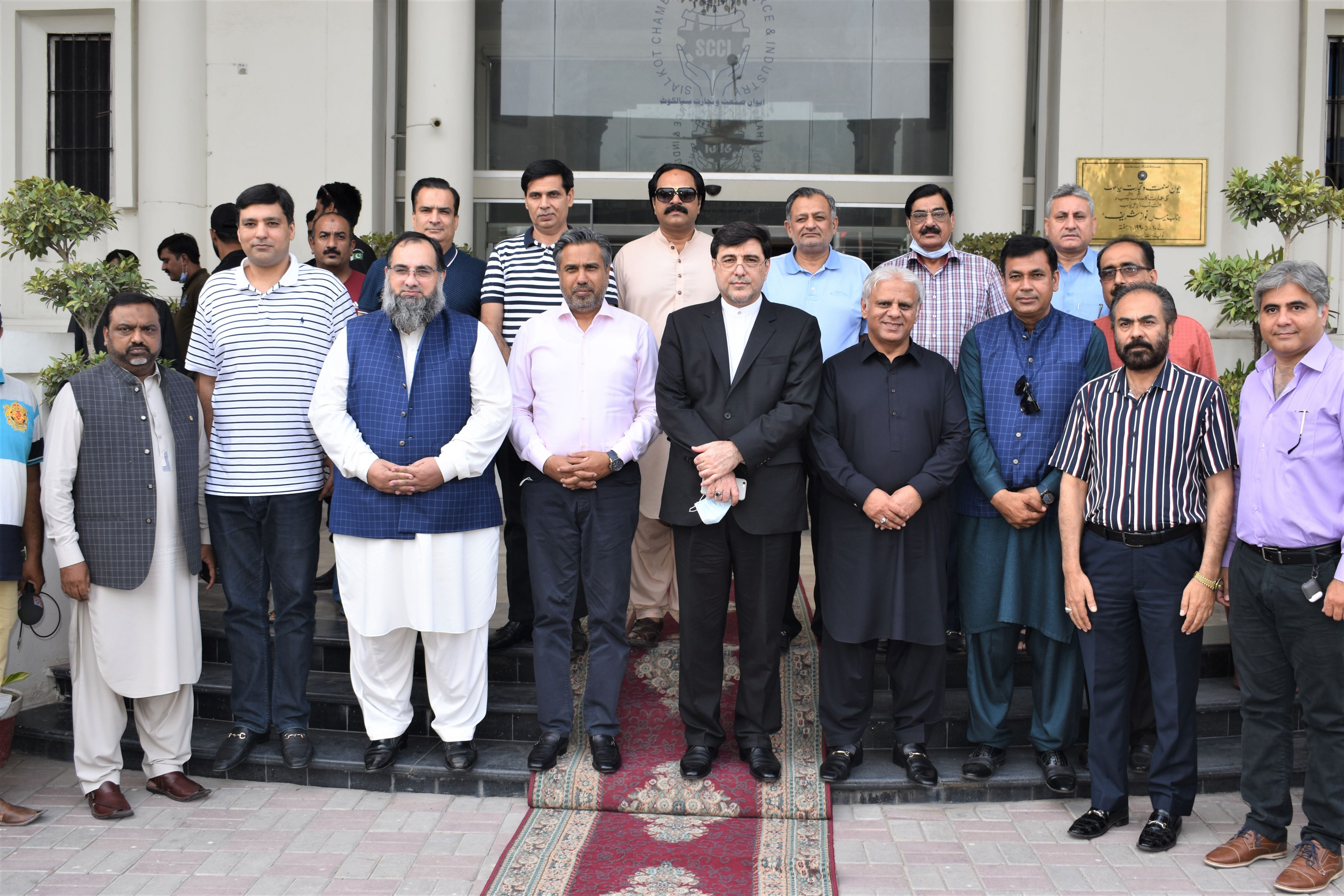 On September 02, 2021, H.E. Mohammad Reza Nezari, Consulate General of Iran in Lahore, Pakistan honored a visit to Sialkot Chamber of Commerce & Industry.    Mr. Khuram Aslam, Senior Vice President, Mr. Ansar Aziz Puri, Vice President and Executive Committee Members of SCCI warmly welcomed his excellency. During the session, various windows of opportunities were explored especially B2B Linkages between the two brotherly Islamic Countries sharing religious, cultural, and socio-political heritage.  Mr. Qaisar Iqbal Baryar, President, Sialkot Chamber of Commerce highlighted the necessary yet practical measures to effectively promote bilateral trade utilizing various functional channels between the two countries for mutually beneficial long-term business relations.