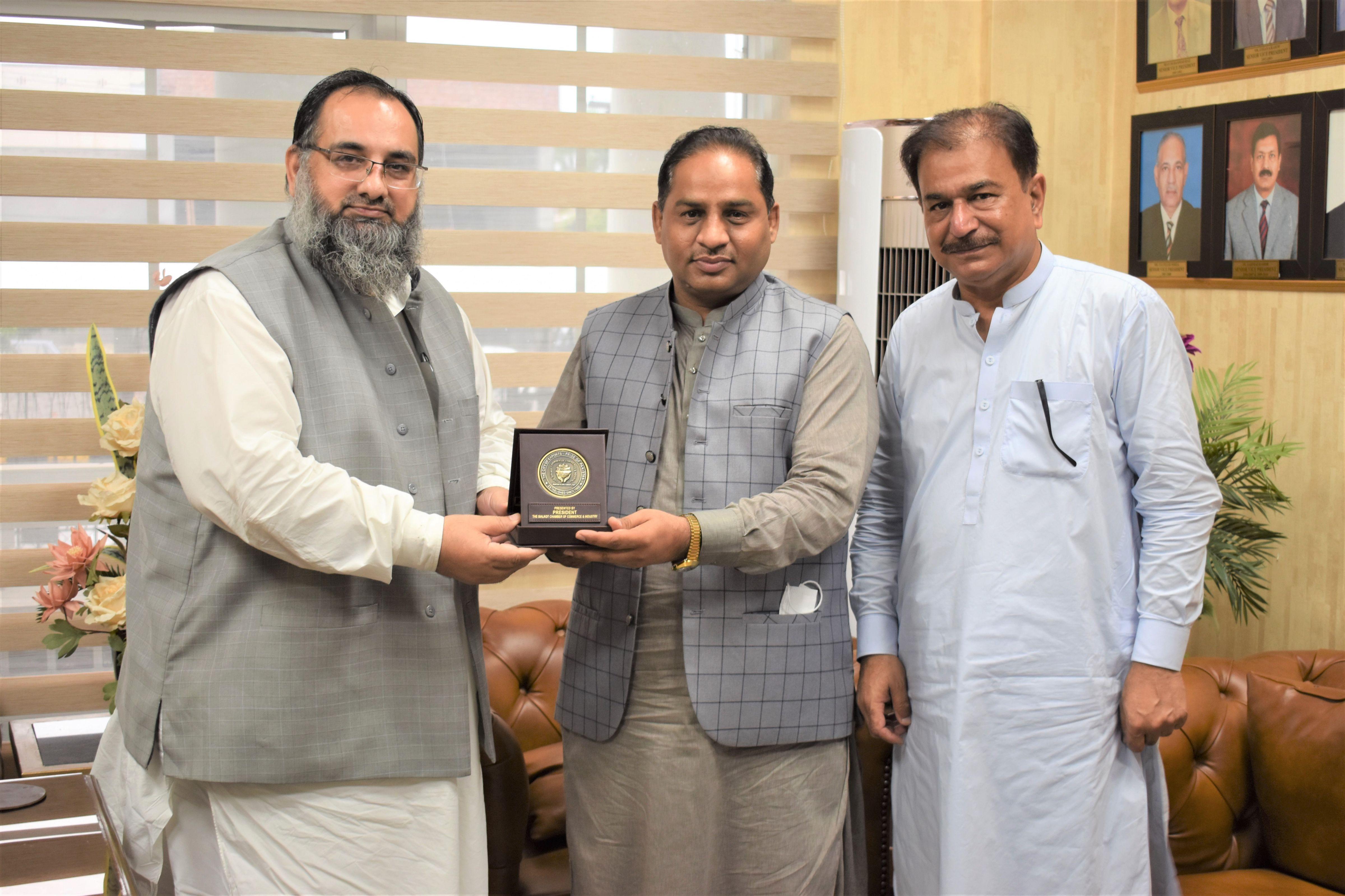 On September 8, 2021, Mr. Khuram Aslam, Senior Vice President, Sialkot Chamber of Commerce & Industry had a meeting with Mr. Ashraf Ali, Superintending Engineer (SE), WAPDA to discuss matters of mutual interest.