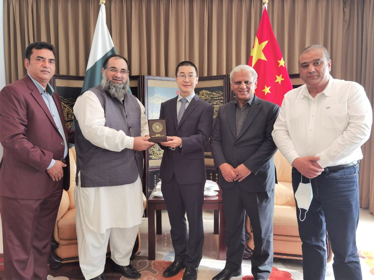 On September 07, 2021, A delegation of Sialkot Chamber of Commerce & Industry had a meeting with Trade Officer, the Republic of China to Pakistan to discuss matters related to Trade & Visas. The Delegation was led by Mr. Khuram Aslam, Senior Vice President and Mr. Ansar Aziz Puri accompanied by Mr. Mohammad Sarwar and Mr. Mohammad Bilal Dar, SCCI Executive Committee Members.